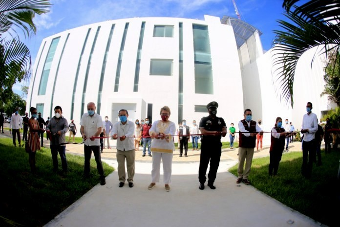 Photo of Playa del Carmen's new Palacio Municipal building located on Ave. CTM between 115 and 125 Ave. Norte.